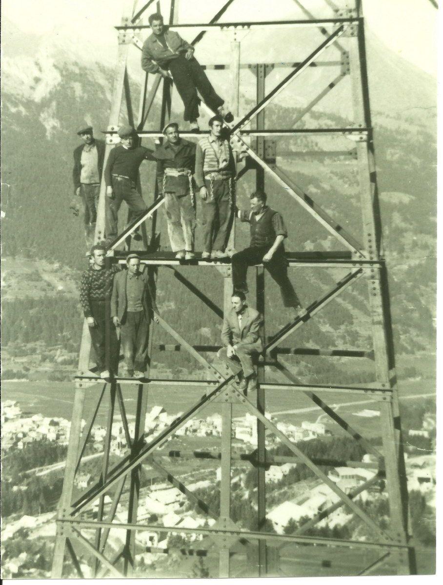 1955-app-operai-su-palo-teleferica-cdp-coll-isabel